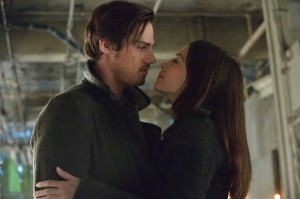 Jay-Ryan-and-Kristin-Kreuk-in-BEAUTY-AND-THE-BEAST-Episode-1.19-Playing-with-Fire-600x399