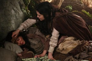 once-upon-a-time-season-2-episode-20-the-evil-queen-1