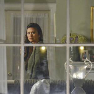 Pretty-Little-Liars-Season-4-Episode-7-Crash-and-Burn-Girl