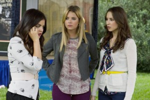 LUCY HALE, ASHLEY BENSON, TROIAN BELLISARIO
